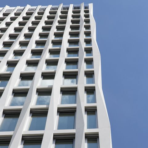Tour-Total-Fassade-3_890.jpg